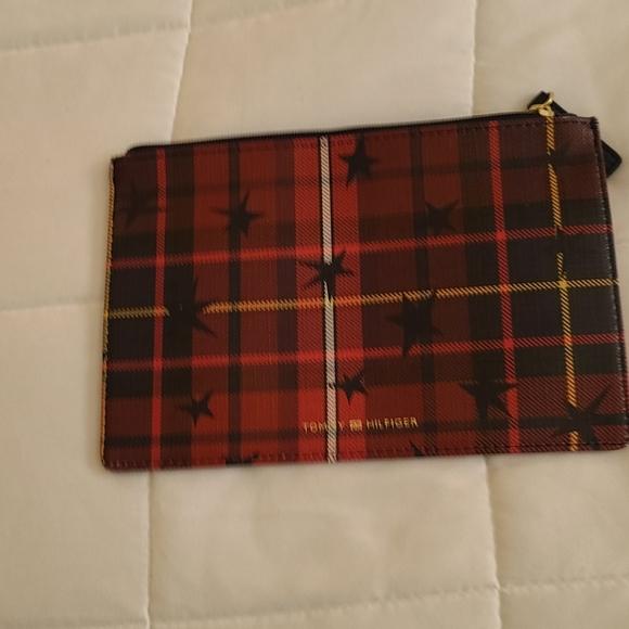 Tommy Hilfiger Handbags - Tommy Hilfiger plaid clutch